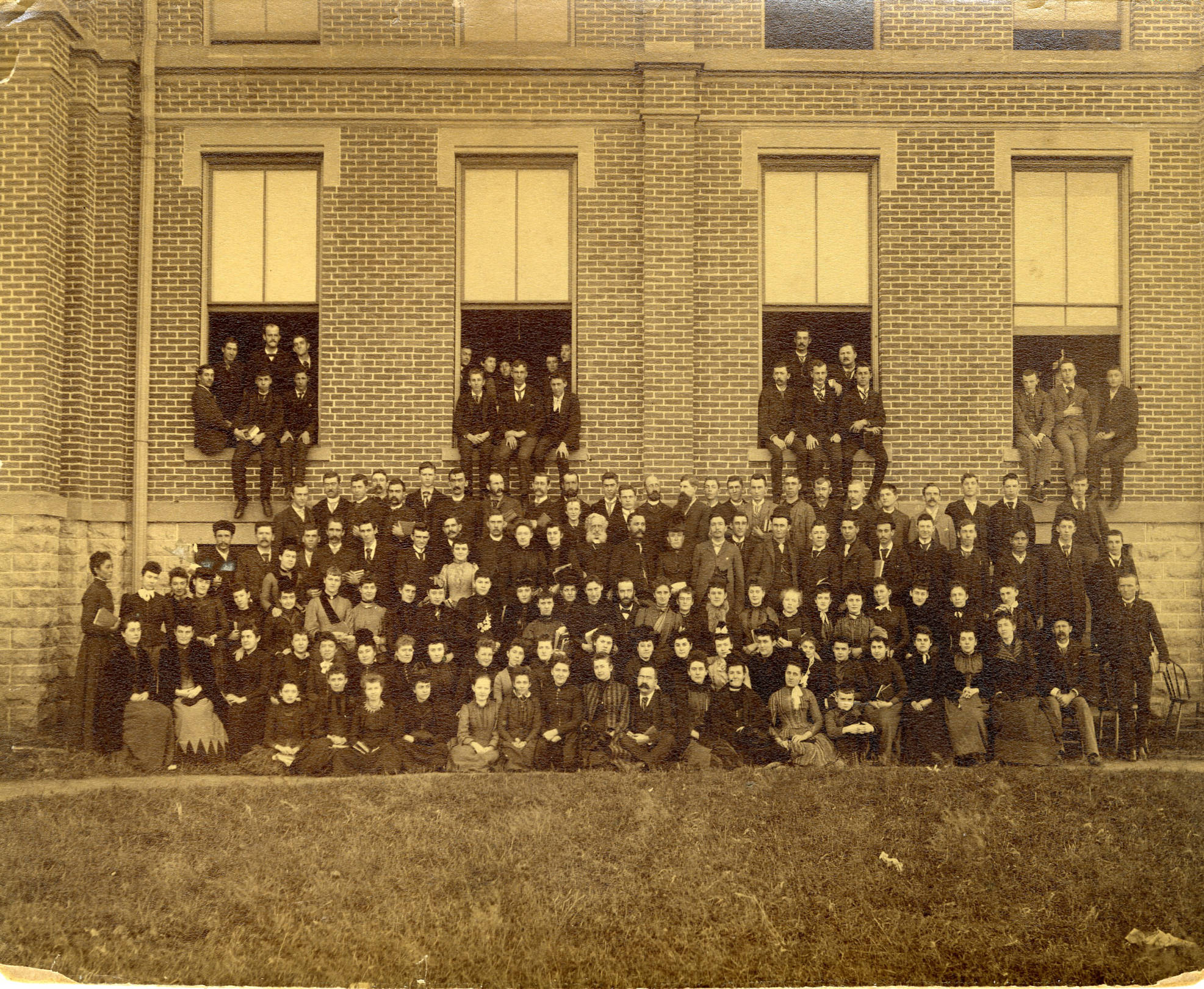 1890_Findlay_College_Student_Body_Faculty_and_Staff (1).jpg