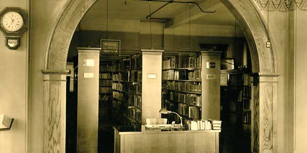 Library in Old Main 1930